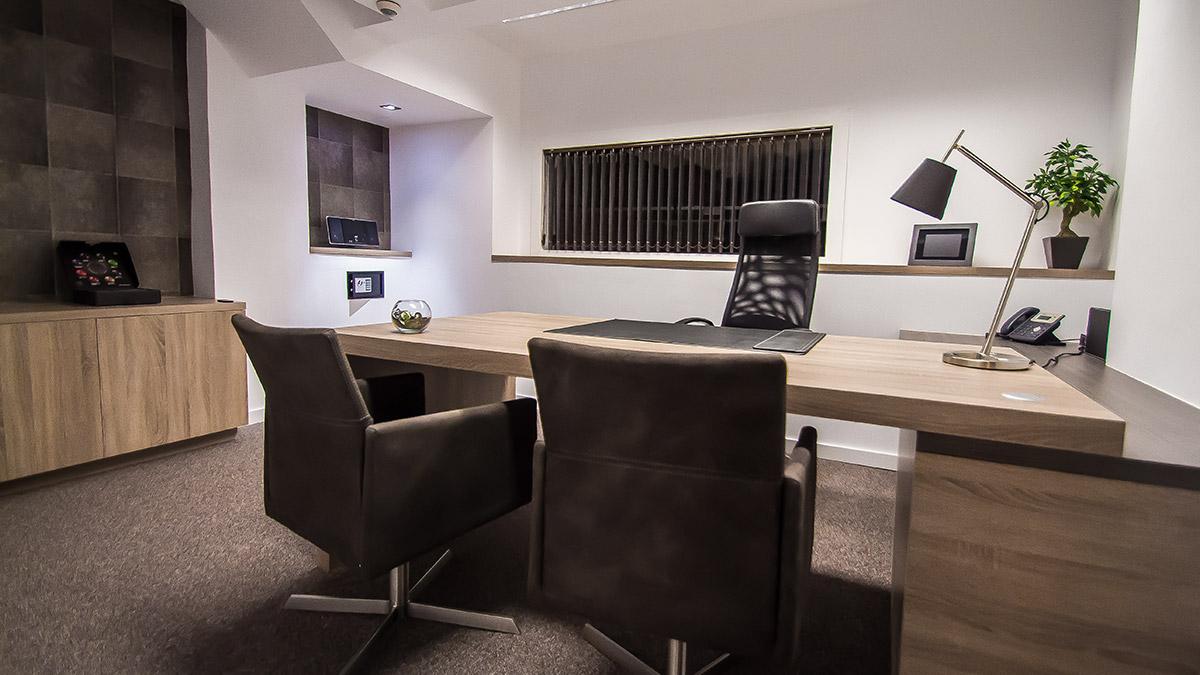 Centro de negocios en barcelona comfort business for Oficina virtual economica