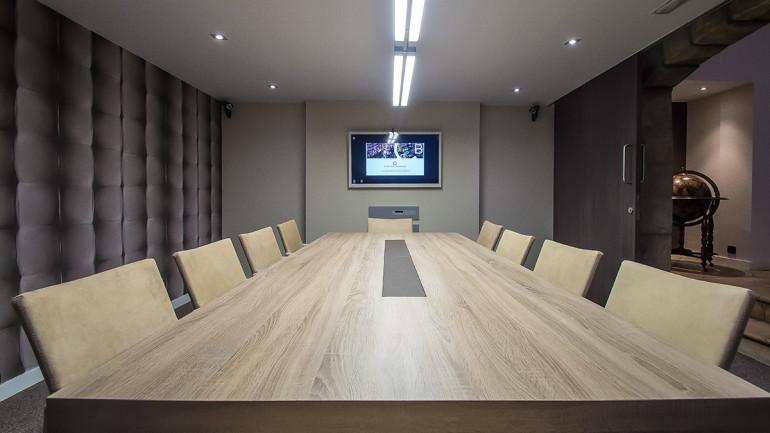 Centro de negocios en barcelona comfort business for Sala de reuniones