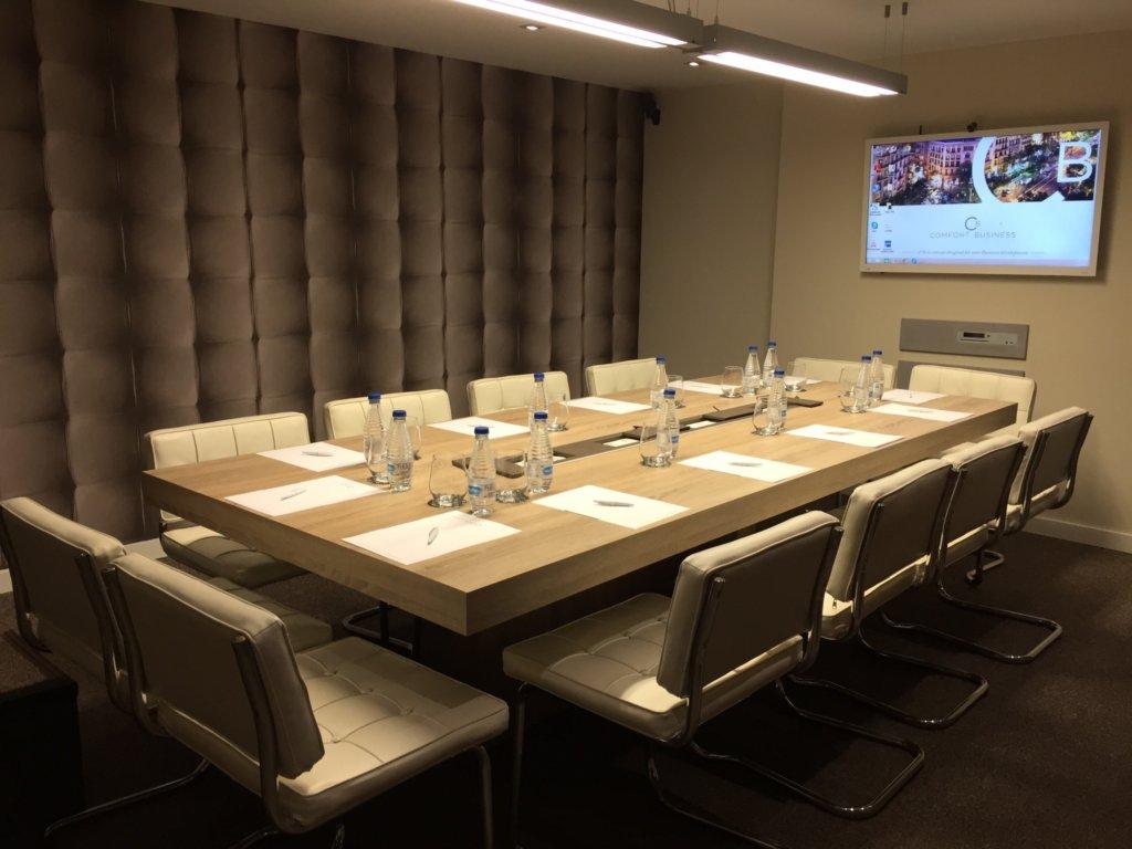 Sala de juntas-reunión-comfort business-vista-